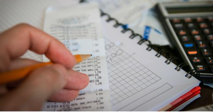 Quais são os impostos mensais que um empresário do Simples Nacional precisa pagar?