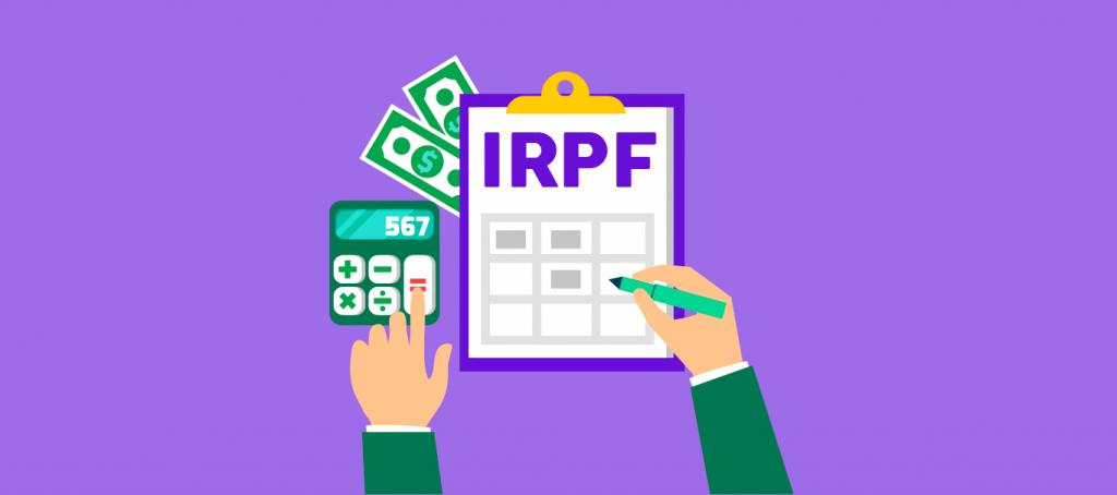 Homem fazendo uma declaração de Imposto de Renda IRPF